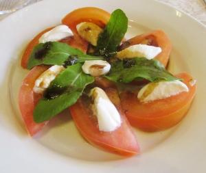 Salada caprese com tomate italiano