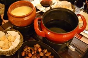 fondues de queijo  e de carne ao vinho do Cave do Douro