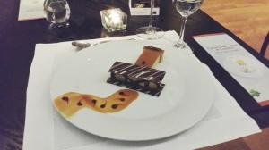 Bis: crocante de chocolate com mousse de café