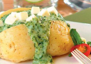 Batata recheada com brócolis