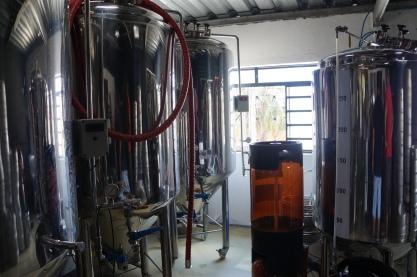 Cerveja é produzida...