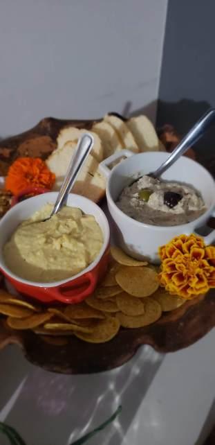 Hommus e pastinha de azeitona